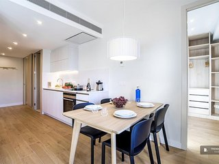 Sparkling 4 bedroom Apartment in Barcelona  (F0767)