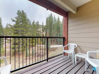 Convenient ski-in/ski-out lodge at Copper Mountain Resort w/ shared hot tub!