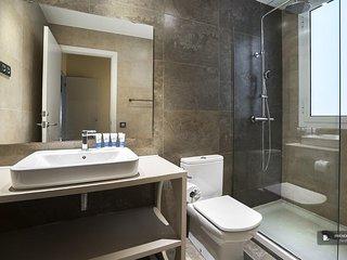 Exquisit 4 bedroom Apartment in Barcelona (F3279)