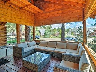 Log Cabin near Wolf Creek w/ Lake & Mtn Views!