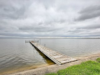 NEW! Waterfront Houghton Lake Condo w/Dock Access!