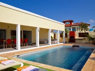 Merlot Villas Aruba Modern Deluxe Four Bedroom Villa & Pool in Palm Beach!