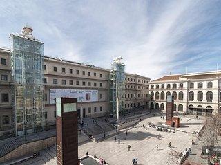 Magnificent 4 bedroom Apartment in Madrid (F9472)