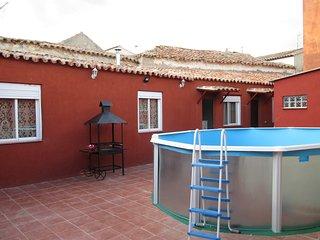 Casa Rural El Arroyo De Los Yebenes, piscina, barbacoa, chimenea!!