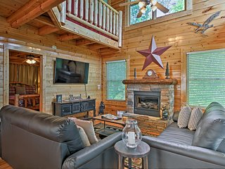 Sevierville Cabin w/Spa & Views Near Pigeon Forge!