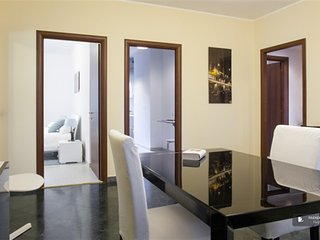 Sparkling 4 bedroom Apartment in Milan (FC9544)