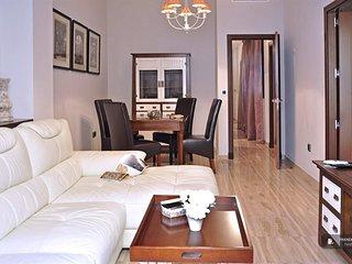 Charming 3 bedroom Villa in Seville  (F9034)