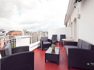 Sparkling 4 bedroom Apartment in Barcelona (F9060)