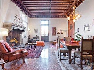 Excellent 2 room House in Venecia