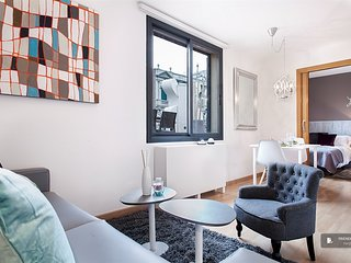 Lovely 2 bedroom Apartment in Barcelona (FC3917)