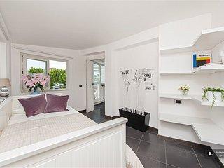 Superb 3 bedroom Apartment in Rome  (FC3707)