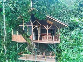 Deluxe treehouse w/ outdoor living room at Finca Bellavista Treehouse Community