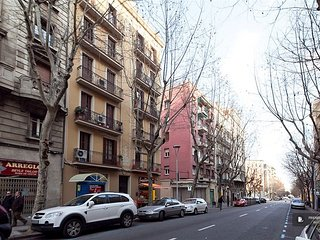 Charming 3 bedroom Apartment in Barcelona (FC4259)
