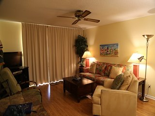 Seaside Beach & Racquet1110 ~ Tennis Villa ~ Indoor Pool, 2 Outdoor Pools ~ Tenn