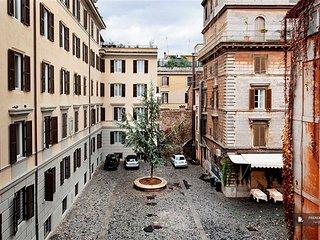 Exquisit 3 bedroom Apartment in Rome  (FC9470)
