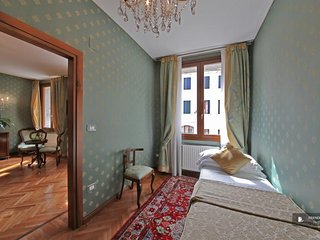 Stunning 2 bedroom Apartment in Venice  (FC0681)