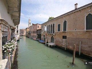 Stunning 2 bedroom Apartment in Venice  (FC0681)