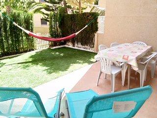 Baby-friendly Duplex with pool, garage, wifi & 2 patio by  beach Muchavista.