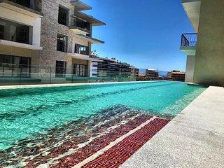 Romantic Zone condo with 2 pools