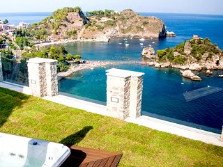 SPARVIERO APARTMENT TAORMINA With Sea View Terrace + Jacuzzi