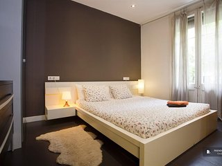 Stunning 2 bedroom Apartment in Barcelona (FC3441)