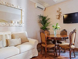 Charming 3 bedroom Apartment in Rome  (FC0786)