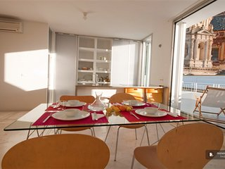 Exquisit 3 bedroom Apartment in Seville  (FC0311)
