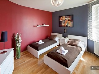 Superb 3 bedroom House in Prague  (FC3221)