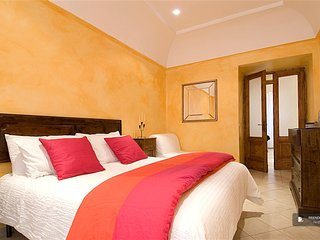 Superb 3 room House in Roma