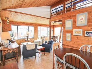 Instant Beach Access, Gorgeous Ocean Views from this 4 Bedroom in Manzanita!