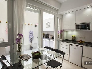 Stunning 3 bedroom Apartment in Madrid (F9094)