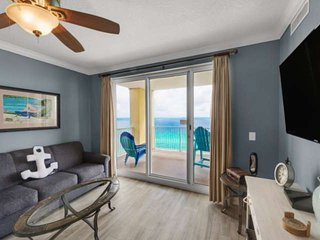 FREE BEACH SERVICE! Huge Corner Unit! Wifi included! Free Tickets to Gulf World!