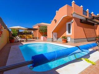 VILLA BELLA LUCIA 2, piscina climatizada, wifi, tv satelite, BBQ