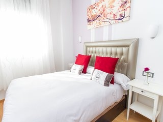 Bright Sunny 1-BR in Picasso's Neighborhood Downtown Malaga
