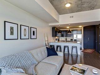Charmed Charlotte 1BD 1BA Pool, Gym