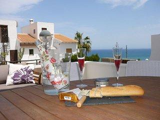 Casa Themba luxe vakantiewoning met zeezicht en gemeenschappelijke zwembaden