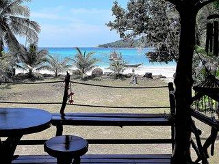 Aomsin Beach House 1- Maison Thaïlandaise vue/accès direct plage Malibu Beach
