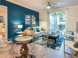 Incredible Orlando Apartment 2BR/2BA, Universal, Disney, Pool, Gym