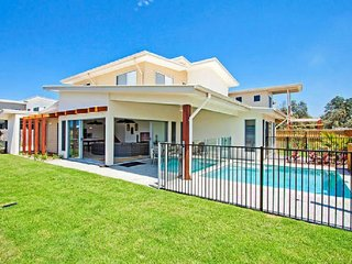 BEACH HOUSE CASUARINA 330