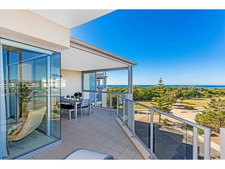 BAL1316 KINGSCLIFF 2 BEDROOM TOP FLOOR FAMILY APARTMENT