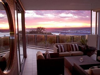 BALE 1322 * KINGSCLIFF LUXURY PENTHOUSE
