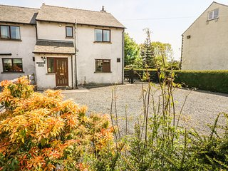 SWALLOWDALE, views of Coniston Fells, en-suite, dog-friendly, woodburner
