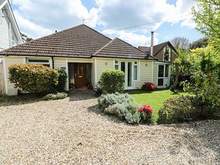 WOODPECKERS HALT, en-suite, in Bembridge, WiFi, Ref 982487