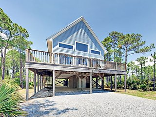 Newly Remodeled Pet-Friendly 3BR - Just 2 Blocks to the Beach!
