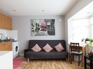 Holiday apartment Dublin City - free parking.