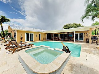 Luxury 4BR on Intracoastal Waterway w/ Private Heated Pool, Spa & Dock