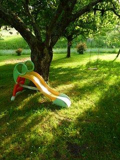 l'espace jeux pour vos enfants dans le verger