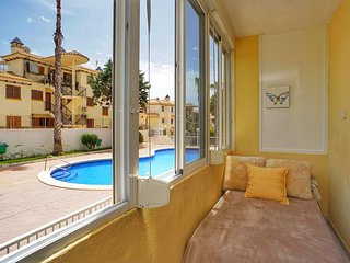 356- Bright studio apartment with a pool view