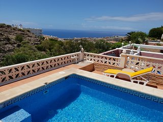 Villa Roque del Conde 5 with private pool, terrace, fantastic sea view, Wifi