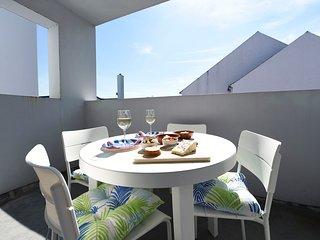 Stunning 2 bedroom Ballycastle apartment on Causeway Coast near the beach.